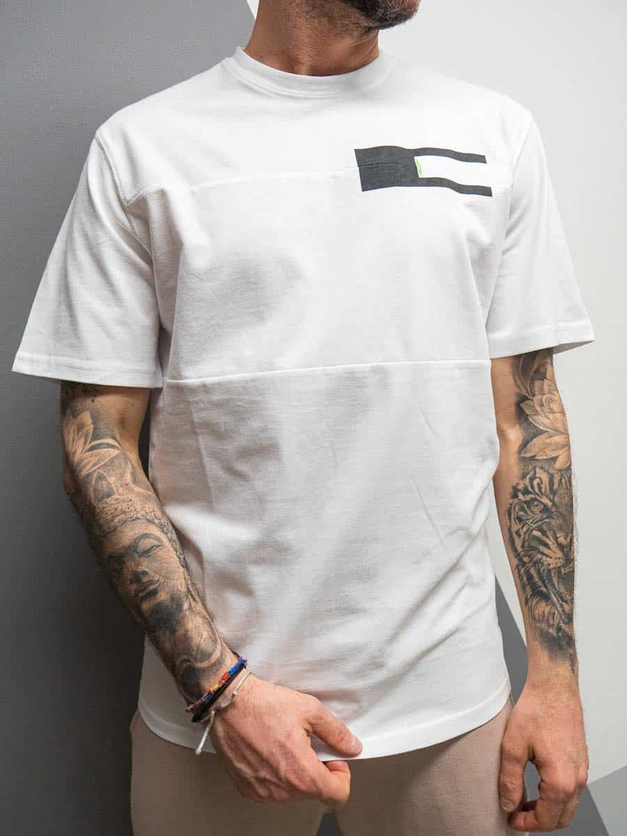 ONLY&SONS T-shirt dal fit comodo, con taschino e cuciture frontali MANUEL 8842