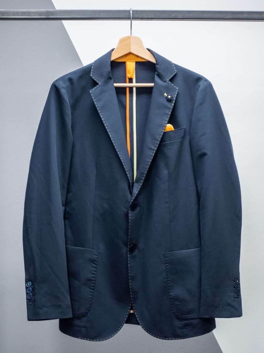 OVER-D Giacca blu leggera con cuciture a contrasto e pochette OM108