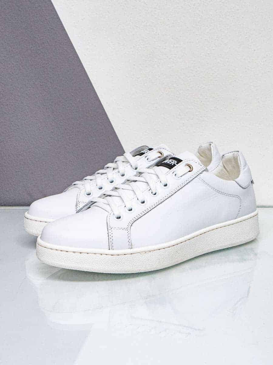 OVER-D Sneakers in pelle con suola bianca OM633SC