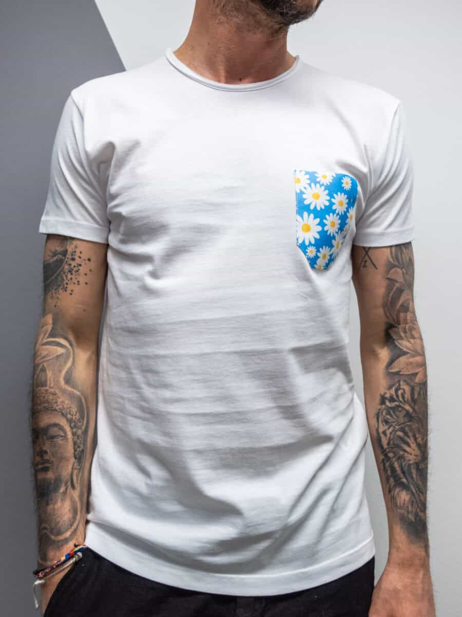 V2 T-shirt in cotone con taschino stampa MARGHERITE 26