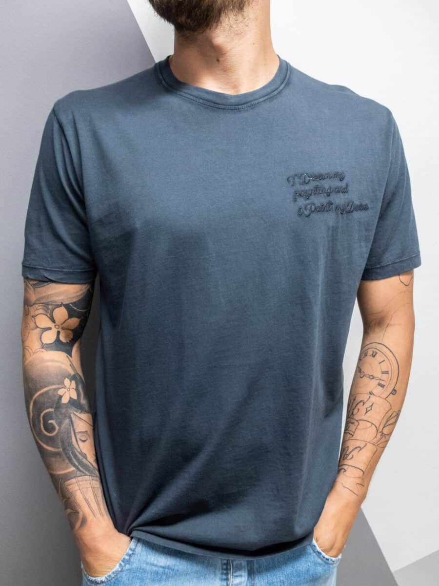 OVER-D T-shirt con scritte ricamate OM825TS